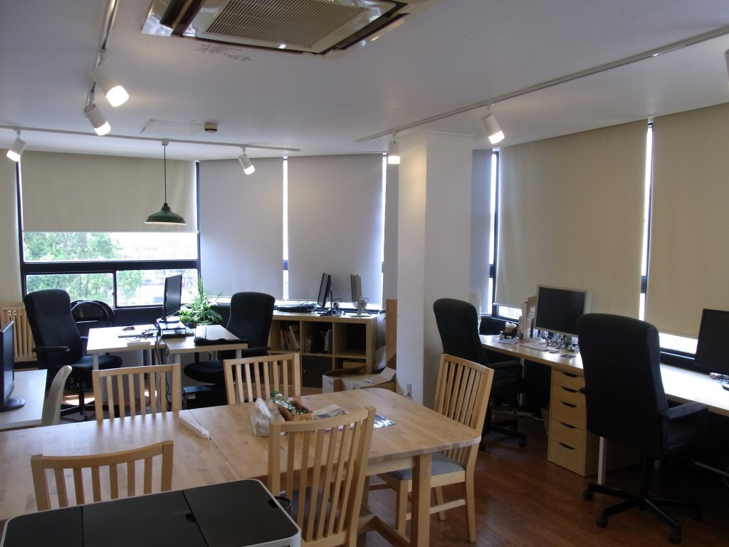 JUSO Coworking の固定席・集中デスク