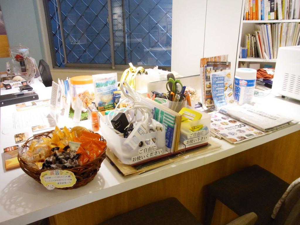 common room NAKATSUのお菓子と文房具