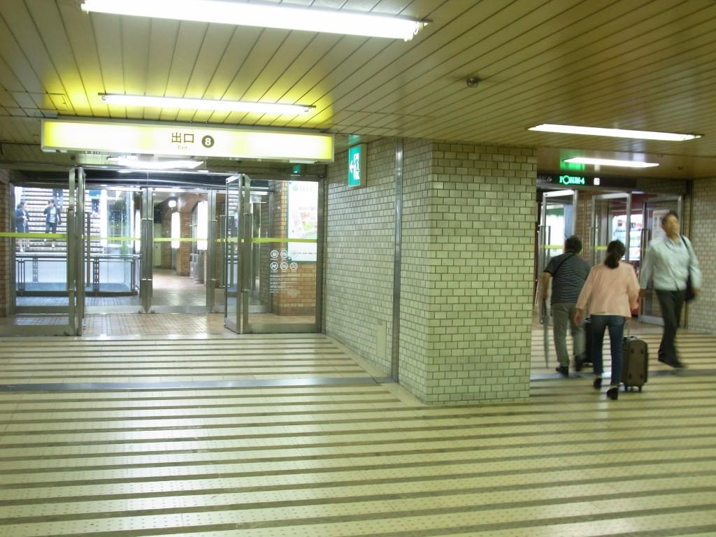 大阪駅前第4ビルの入り口