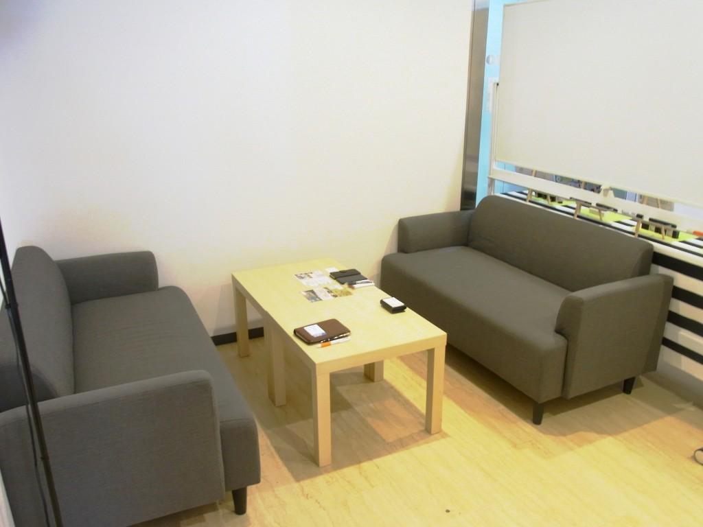 mana-asoのソファースペース