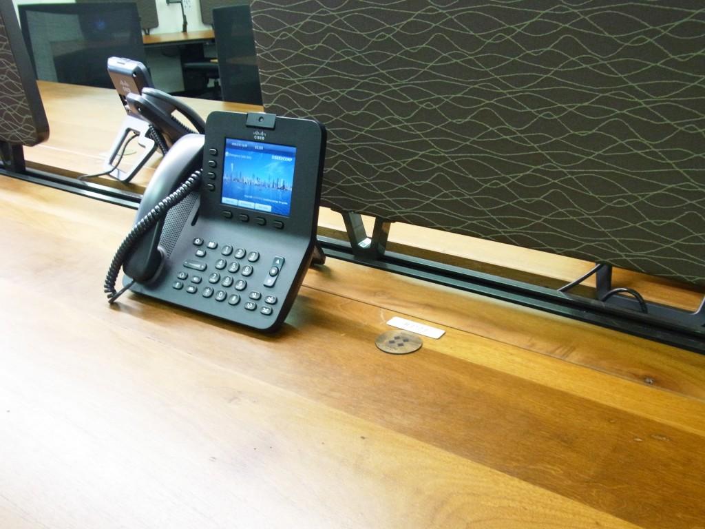 サーブコープの電話