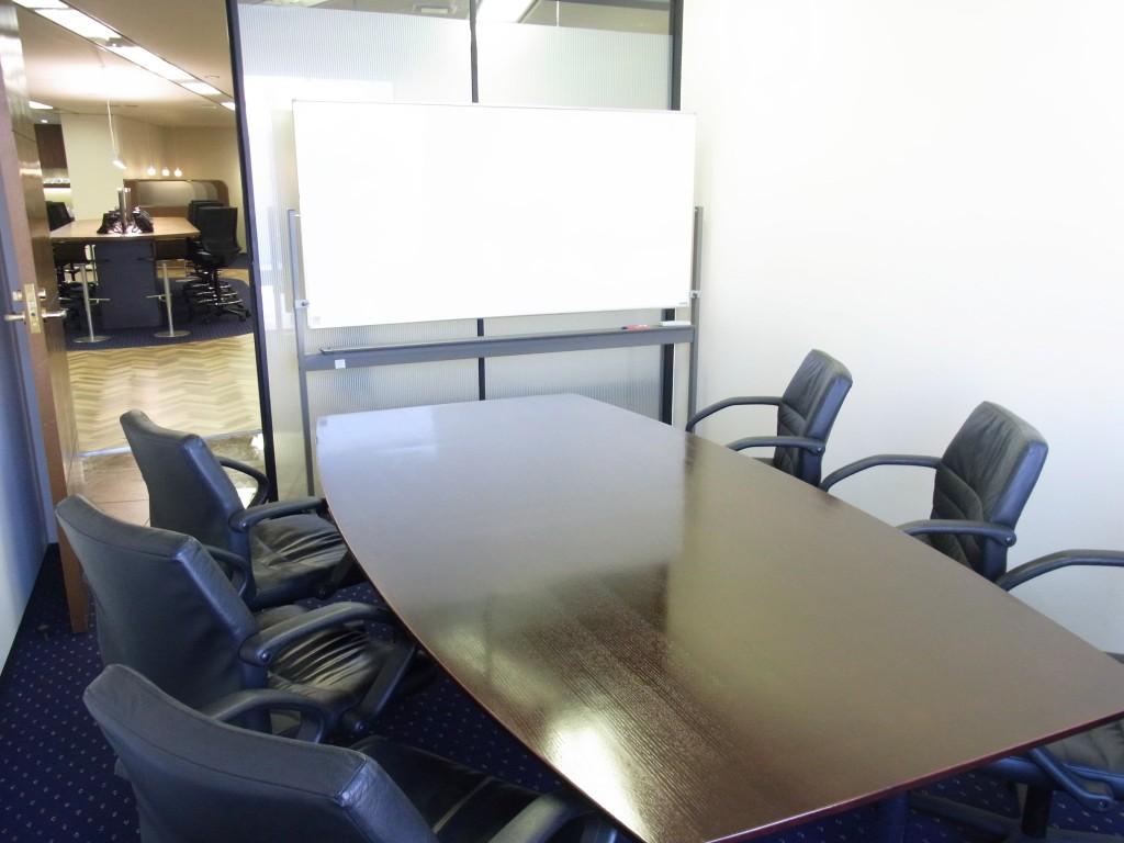 サーブコープの会議室(中)