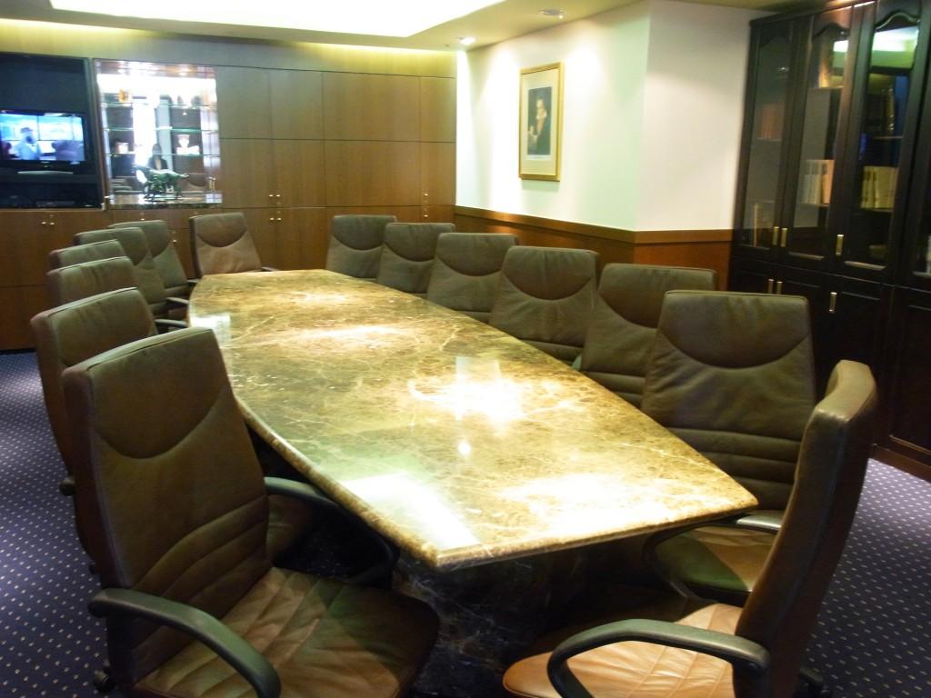 サーブコープの会議室(大)