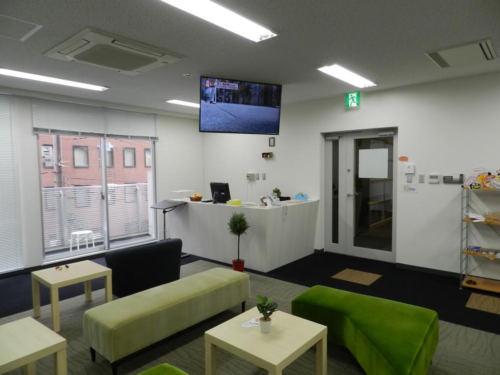 大阪クロススクエアのコワーキングスペースの受付