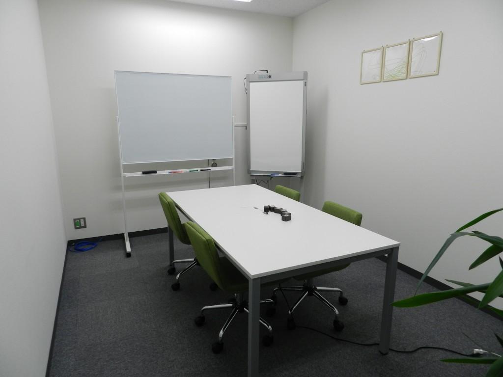 大阪クロススクエアの中会議室