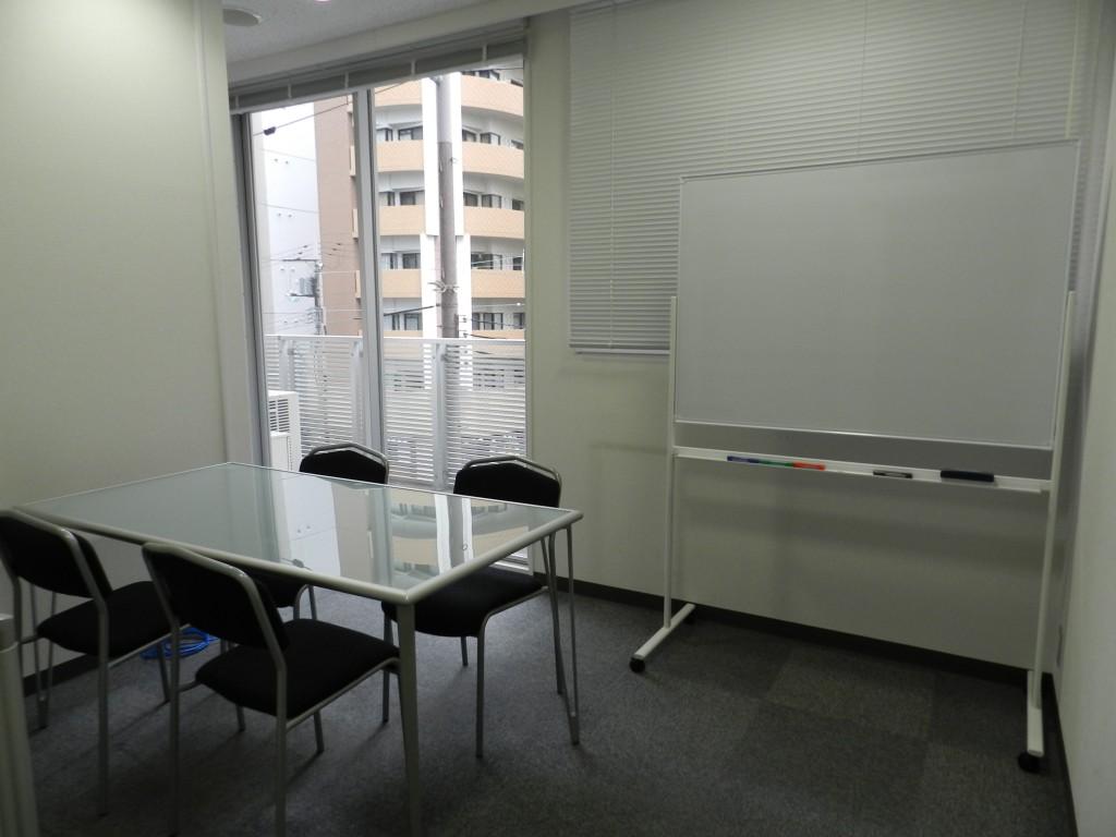 大阪クロススクエアの会議室小