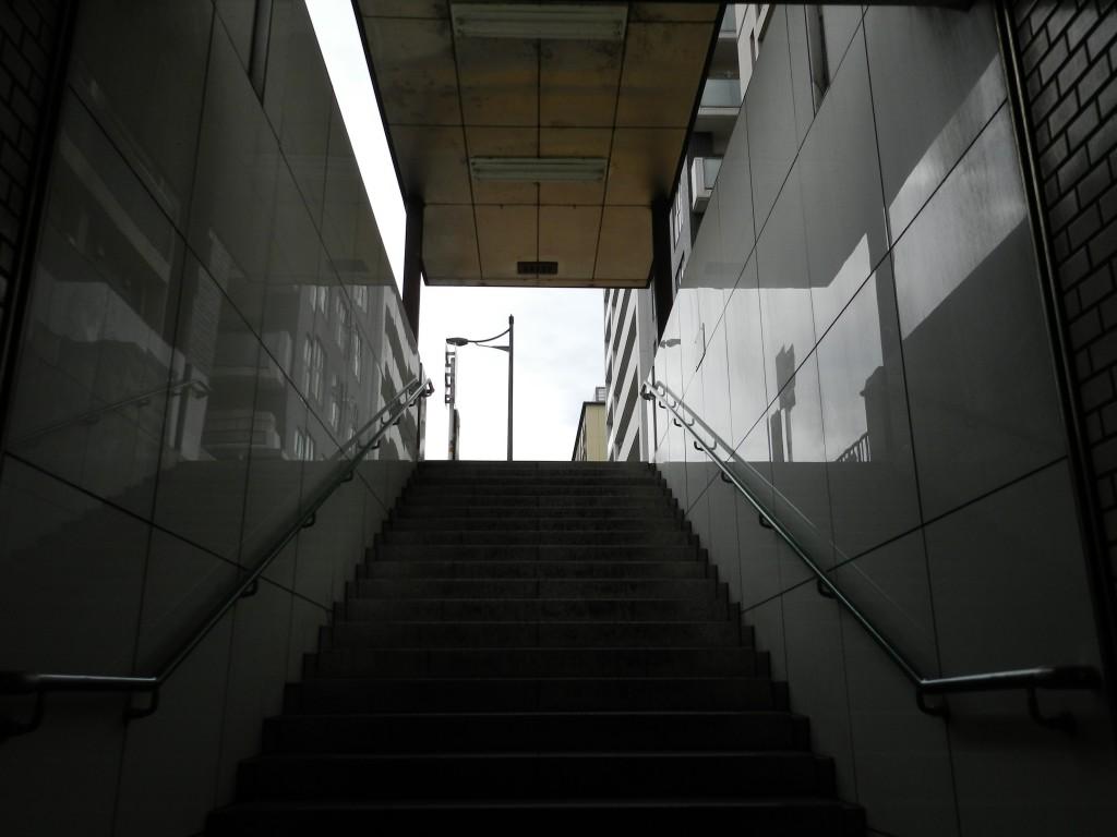 京都市営地下鉄烏丸線五条駅の地下通路を抜けたところ