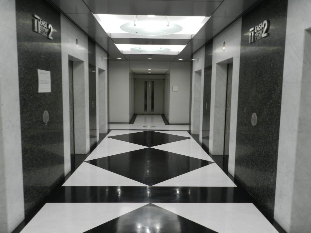 テレコムセンターのエレベーターホール