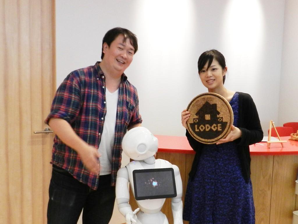 LODGE運営者の植田裕司さんと平野彩花さん