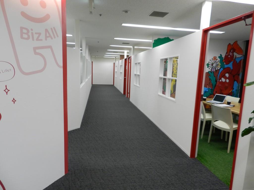 MTGルームのある廊下