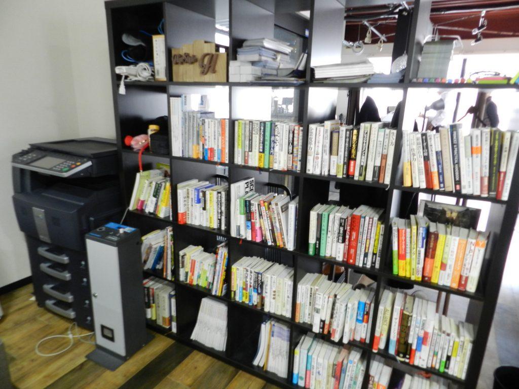 本棚や複合機