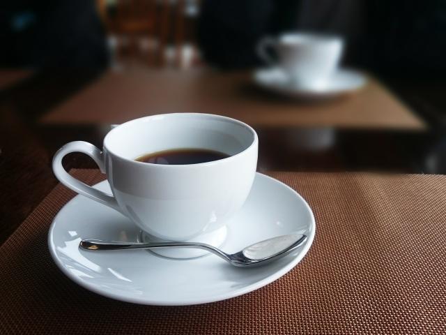 コーヒーやドリンクが飲み放題のフリードリンクのあるコワーキングスペース