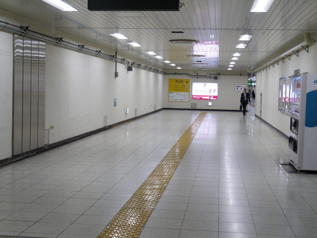 馬喰町駅の地下通路